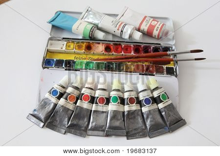 Paint colours and brushes