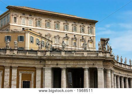 Residencia del Papa en el Vaticano. Vista desde la Catedral de San Pedro.