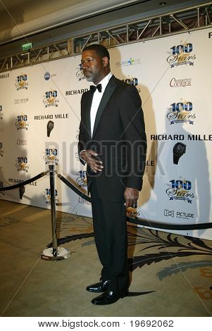BEVERLY HILLS - FEB. 27: Dennis Haysbert arrives at the Norby Walters 21st Annual Night of 100 Stars Oscar Viewing Party & Gala  on Feb. 27, 2011 at the Beverly Hills Hotel in Beverly Hills, CA.