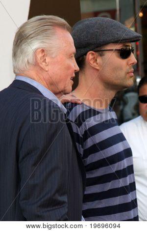 LOS ANGELES - JUL 19:  Jon Voight & son James Haver arrive at the