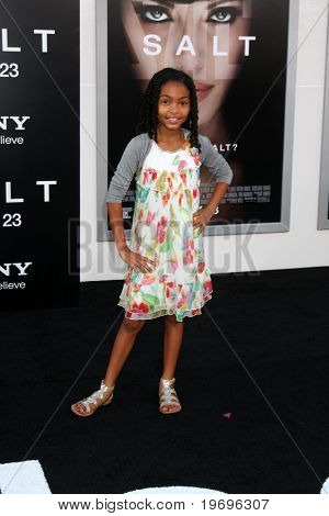 LOS ANGELES - JUL 19:  Yara Shahidi arrives at the