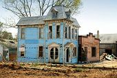 picture of raunchy  - abandoned old house - JPG
