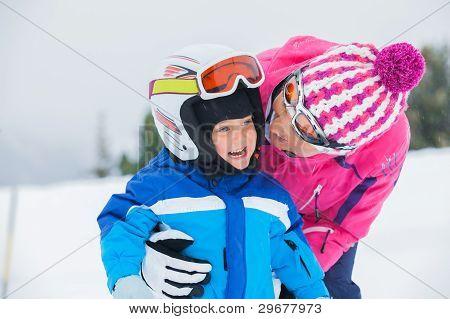 glückliche Skifahrer