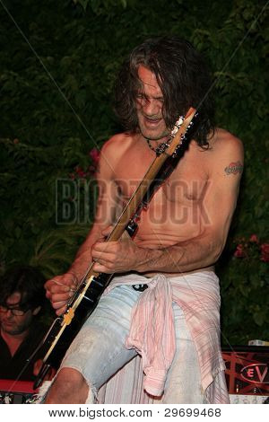 WEST HOLLYWOOD - JUL 19: Eddie Van Halen during Eddie Van Halen Performs at the House of Petals Summer Jam Series - July 19, 2006 in West Hollywood, California