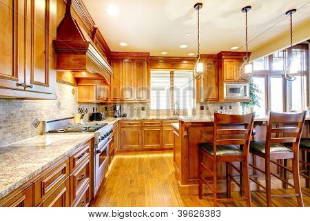 Luxury Mountain Home Wood Kitchen With Island.