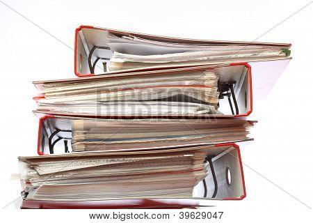 Carpeta de oficina roja de pila