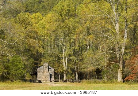 Rustic Log Cabin, Cades Cove, Great Smoky Mountains National Park, Tennessee