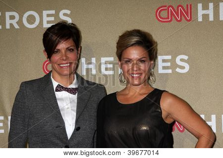 LOS ANGELES - DEC 2:  Cat Cora arrives to the 2012 CNN Heroes Awards at Shrine Auditorium on December 2, 2012 in Los Angeles, CA