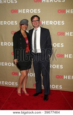 LOS ANGELES - DEC 2:  Rainn Wilson and wife arrives to the 2012 CNN Heroes Awards at Shrine Auditorium on December 2, 2012 in Los Angeles, CA