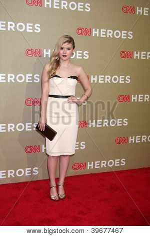 LOS ANGELES - DEC 2:  Taylor Spreitler arrives to the 2012 CNN Heroes Awards at Shrine Auditorium on December 2, 2012 in Los Angeles, CA