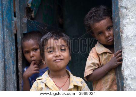Kinder in einer Schule