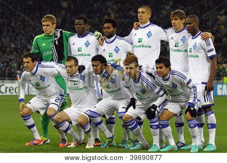 Fc Dynamo Kyiv Team Pose For A Group Photo