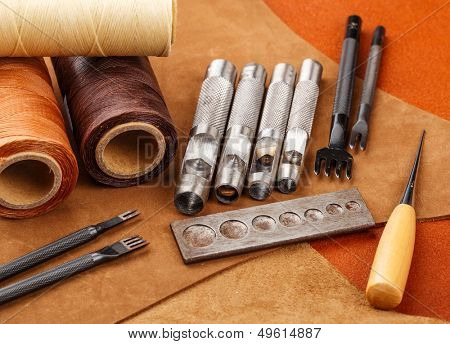 Craft tool for handmade leather
