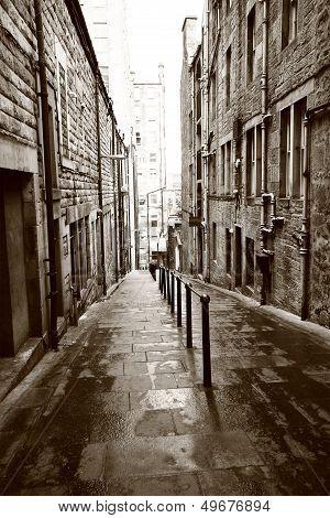 Old Streets Of Edinburgh
