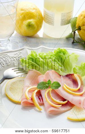 swordfish carpaccio with green salad