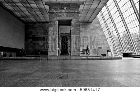 Temple Of Dendur Hall