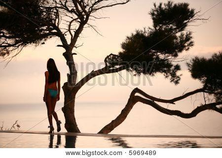 Young women & sea sunset