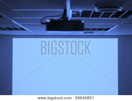 Projector and blank screen