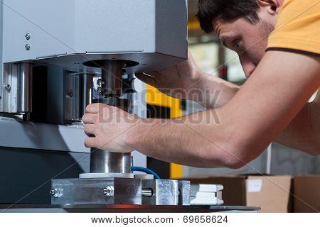 Worker Programming Machine