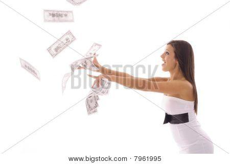bela mulher pegando dinheiro