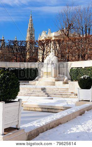 Monument  Sisi