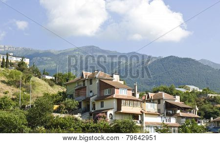 Houses In Hills