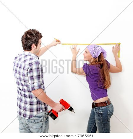 couple decorating new home