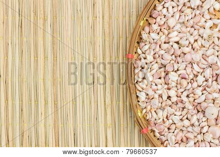 Garlic On Threshing Basket