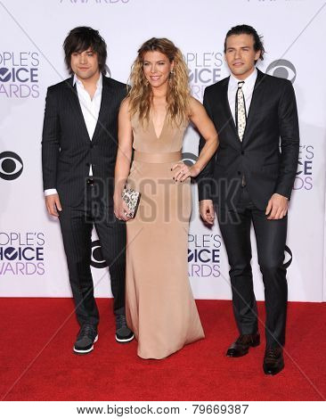 LOS ANGELES - JAN 07:  The Band Perry arrives to the People's Choice Awards 2014  on January 7, 2015 in Los Angeles, CA