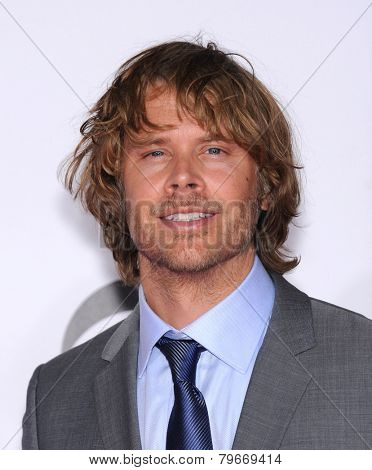 LOS ANGELES - JAN 07:  Eric Christian Olsen arrives to the People's Choice Awards 2014  on January 7, 2015 in Los Angeles, CA