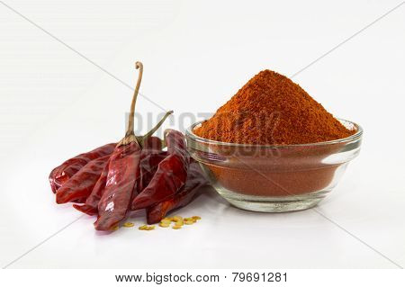 chilly powder with red chilly, dried chilies