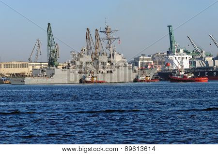 The guided-missile destroyer USS Jason Dunham (DDG 109)