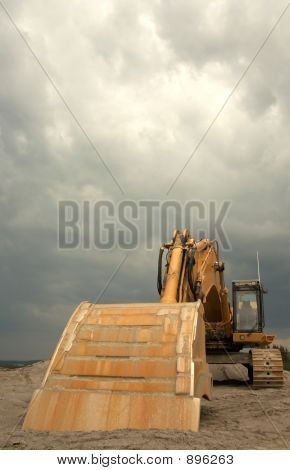 Super Heavy Duty Excavator - Front View