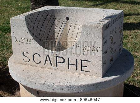 Small scaphe sundial