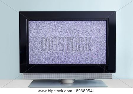Modern LCD TV with signal noise