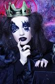 foto of queen crown  - Mad queen - JPG