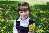 picture of dandelion  - The little girl close - JPG
