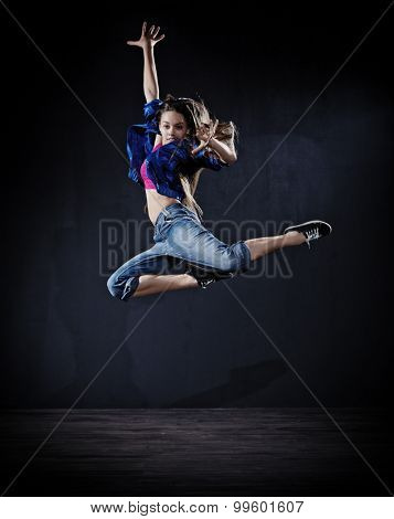 Modern dancer girl (dark version)
