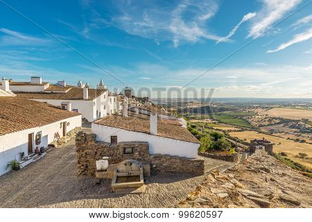 Europe, Portugal, Alentejo-View of the medieval village of Monsaraz in the afternoon near Alqueva dam