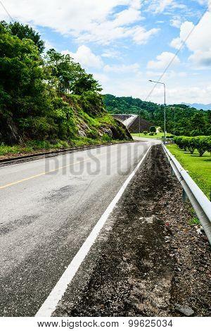 Dam Road2