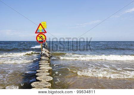 No Jumping And Large Depth Warning Sign