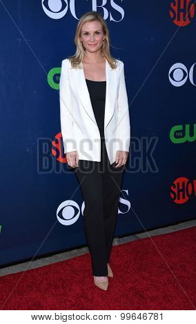 LOS ANGELES - AUG 10:  Bonnie Somerville arrives to the Summer 2015 TCA's - CBS, The CW & Showtime  on August 10, 2015 in West Hollywood, CA
