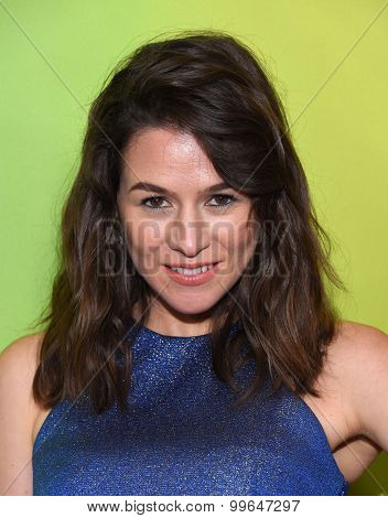LOS ANGELES - AUG 12:  Yael Stone arrives to the arrives to the Summer 2015 TCA's - NBCUniversal  on August 12, 2015 in Beverly Hills, CA
