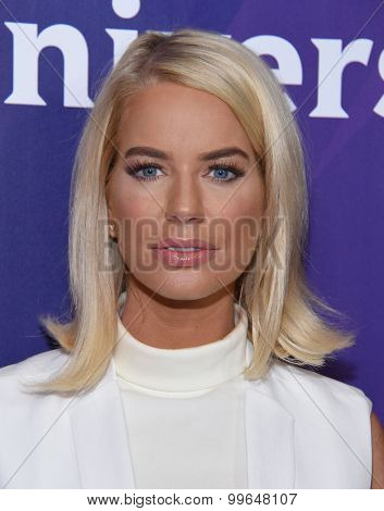 LOS ANGELES - AUG 12:  Caroline Stanbury arrives to the arrives to the Summer 2015 TCA's - NBCUniversal  on August 12, 2015 in Beverly Hills, CA