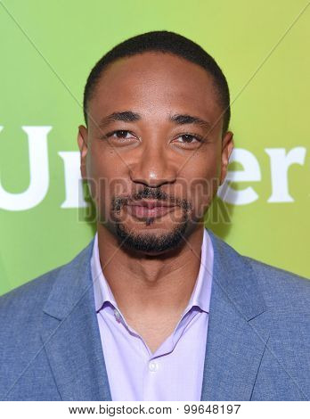 LOS ANGELES - AUG 13:  Damon Gupton arrives to the Summer 2015 TCA's - NBCUniversal  on August 13, 2015 in Hollywood, CA