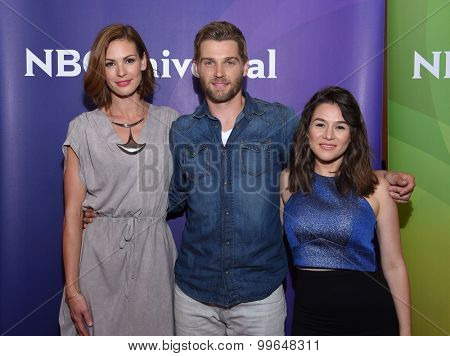 LOS ANGELES - AUG 12:  Daisy Betts, Mike Vogel & Yael Stone arrives to the arrives to the Summer 2015 TCA's - NBCUniversal  on August 12, 2015 in Beverly Hills, CA