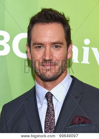 LOS ANGELES - AUG 13:  Mark-Paul Gosselaar arrives to the Summer 2015 TCA's - NBCUniversal  on August 13, 2015 in Hollywood, CA