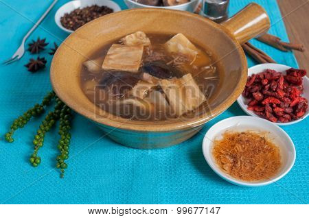 Double Boiled Pork Rids, Black Mushroom In Chinese Herb Soup