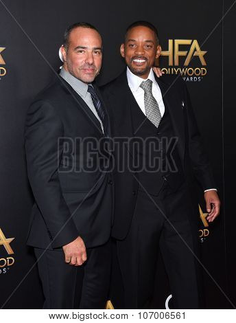 LOS ANGELES - NOV 1:  Will Smith & Peter Landesman arrives to the Hollywood Film Awards 2015 on November 1, 2015 in Hollywood, CA.