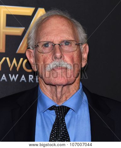 LOS ANGELES - NOV 1:  Bruce Dern arrives to the Hollywood Film Awards 2015 on November 1, 2015 in Hollywood, CA.